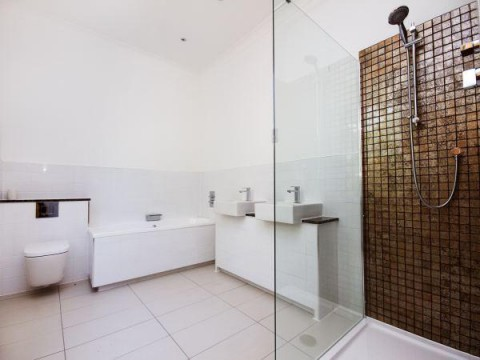 Ensuite his and hers bathroom
